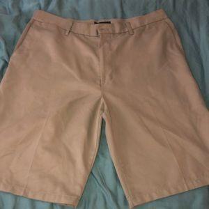 *LIKE NEW* Dockers Men's Khaki Shorts